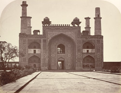 Gateway of the Mausoleum of Akbar, Secundra, near Agra. .